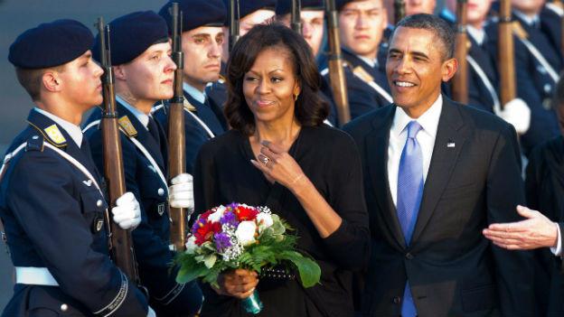 Grosser Empfang der Obamas in Berlin Tegel.