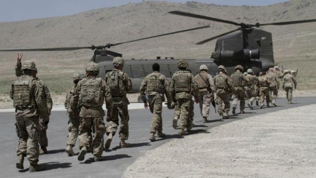 Nato-Soldaten verlassen Afghanistan.