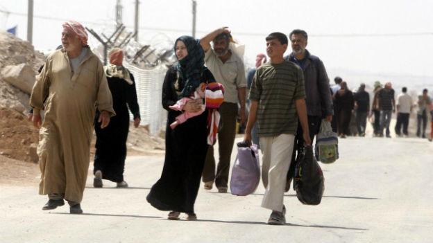 Syrische Flüchtlinge kommen in einem Camp in Jordanien an.