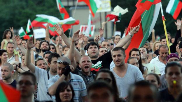 Verärgerte Bulgaren gehen auf die Strasse.