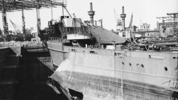 Zerstörung im Hamburger Hafen, Juli 1943.