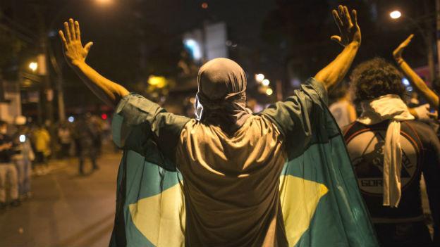 Auch während des Final-Spiels gab es Proteste gegen die Regierung.