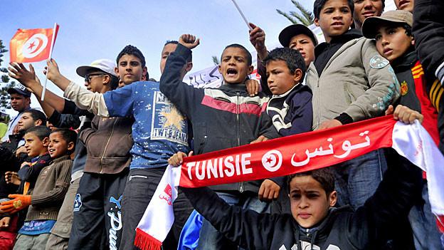 Dezember 2012 in Sidi Bouzid im Süden Tunesiens. Die Stadt gilt als die Wiege der Jasmin-Revolution. Die Proteste richten sich gegen die Politik von Präsident Marzouki.