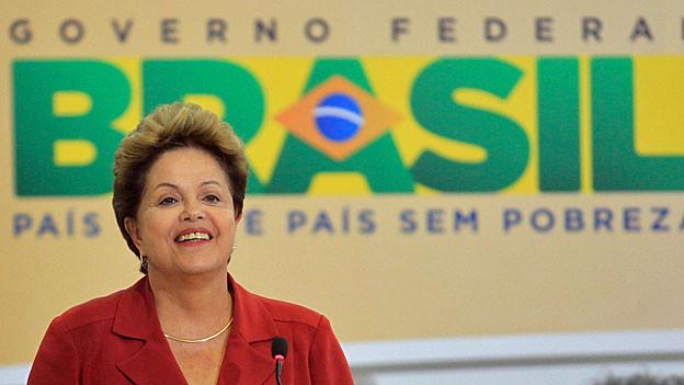 Die brasilianische Präsidentin Dilma Rousseff spricht zur Lancierung eines nationalen Gesundheitsprogramms, am 8. Juli 2013 in Brasilia.