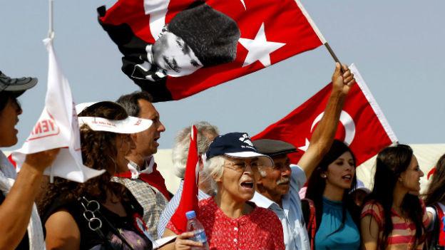 Der Ergenekon-Prozess beschäftigt die Türkei schon lange: hier eine Demonstration dagegen im Juli 2009