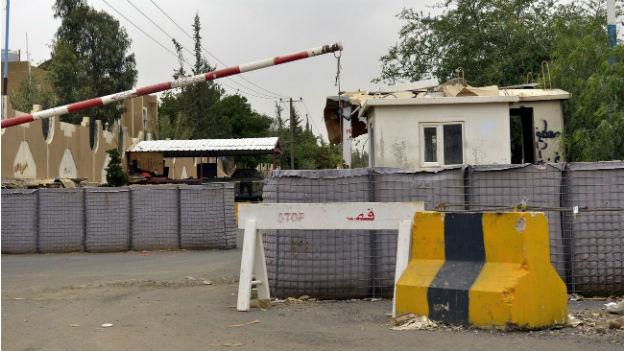 Absperrungen vor der US-Botschafte in der Jemenitischen Hauptstadt Sana'a.
