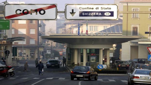 Die Grenze in die Schweiz bei Chiasso.