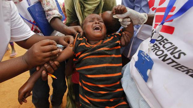 Ein Kind in Somalia wird geimpft (2011).