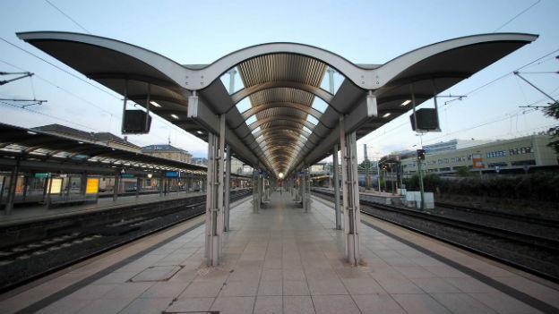 Gähnende Leere am Hauptbahnhof Mainz.