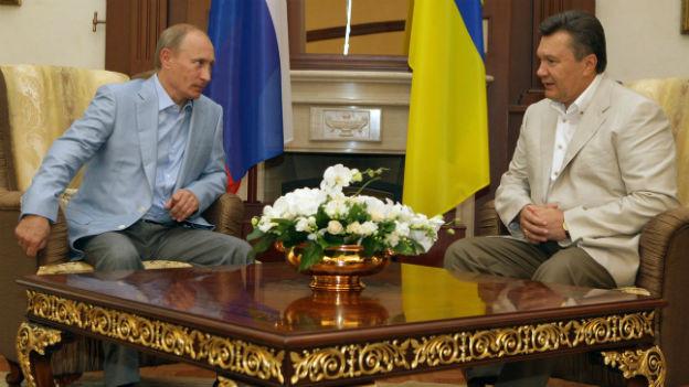 Präsident Putin macht Druck auf den ukranischen Präsidenten Janukowitsch.