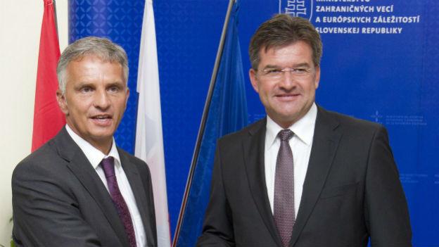 Bundesrat Didier Burkhalter mit dem slowakischen Aussenminister Lajcak.