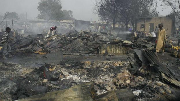 Verwüstung nach einem Anschlag im Norden von Nigeria verübt von Boko Haram.