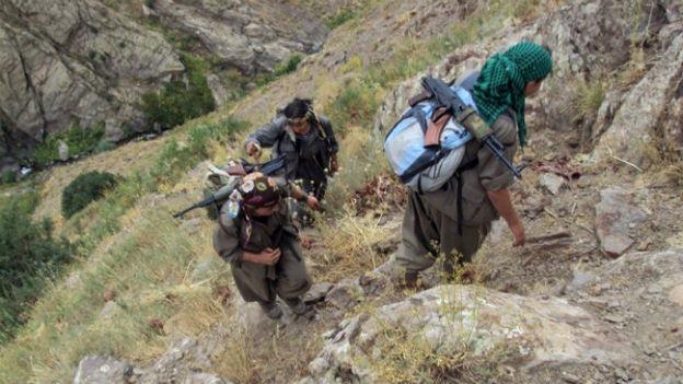 PKK-Kämpfer auf dem Weg in den Nordirak.