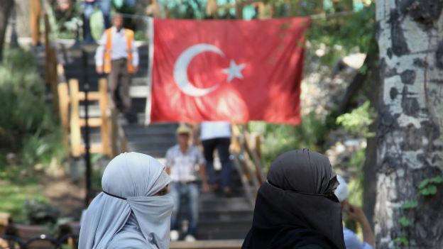 In der Türkei stehen Wahlen an, Erdogan wirbt um die Konservativen.