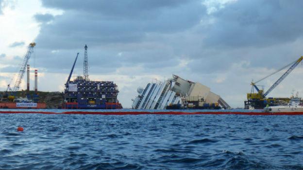Die Bergung der «Costa Concordia» ist in Gang.