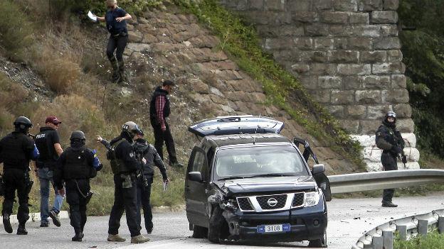 EU-Polizist wird im Norden Kosovos erschossen.