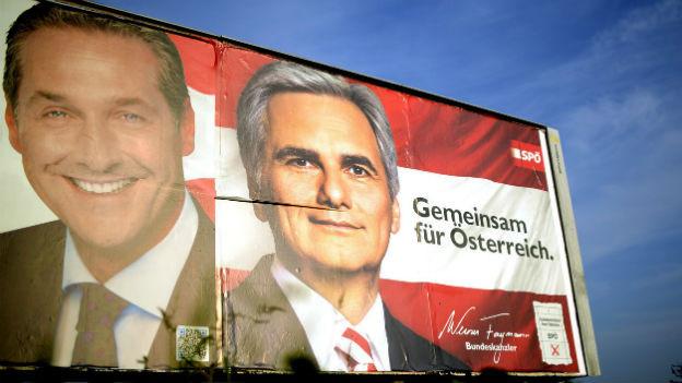 Die beiden Spitzenkandidaten Heinz-Christian Strache von der FPÖ und Werner Faymann von der SPÖ auf einer Plakatwand.
