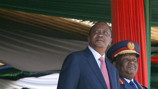 Kenias Präsident Kenyatta (links)