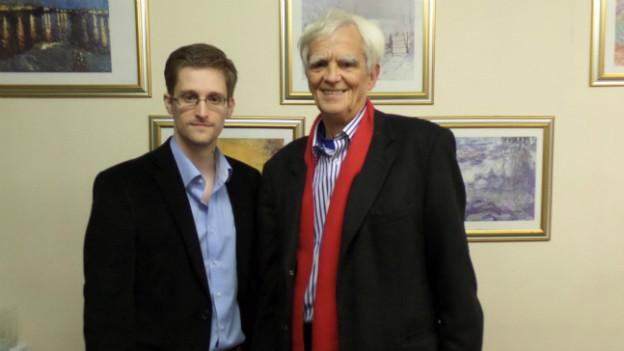 Der Grüne Bundestagsabgeordnete Hans-Christian Ströbele traf Edward Snowden in Moskau.