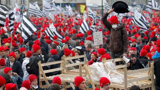 Tausende Bretonen protestieren gegen die Regierung in Paris