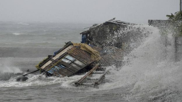 Wohl der schlimmste Sturm der je auf Land traf: Haiyan macht Häuser dem Erdboden gleic