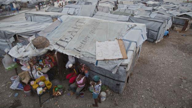 Nach dem Erdbeben in Haiti: Noch immer leben Zehntausende in Zeltstädten.