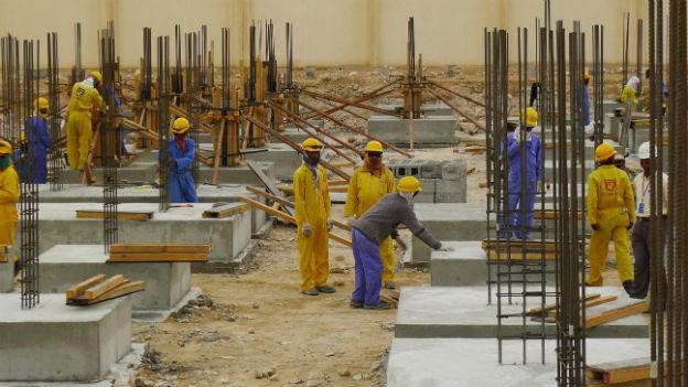 Wanderarbeiter auf einer Baustelle in Doha