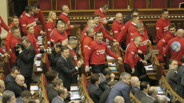 Protest der Opposition im ukrainischen Parlament.