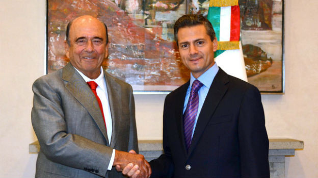 Der mexikanische Präsident Enrique Peña Nieto (re).