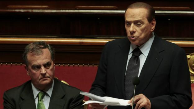 Berlusconi und sein damaliger Reformminister Calderoli führten das umstrittene Wahlgesetz ein.