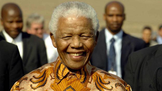 Nelson Mandela anlässlich seines 90. Geburtstages in seinem Heimatort Qunu (2008).