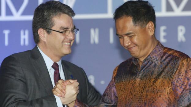 Sichtlich erleichtert: WTO-Generaldirektor Azevedo und Indonesiens Handelsminister Wiryawan nach der Einigung.