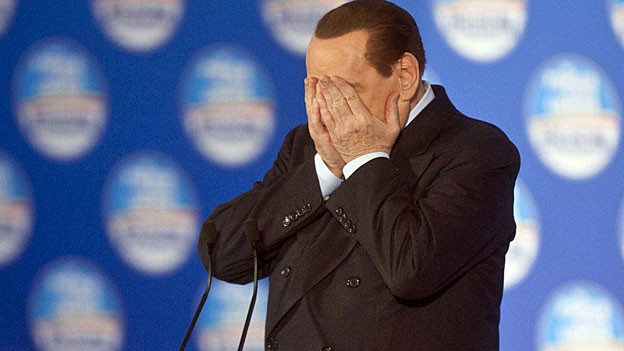 Silvio Berlusconi wurde im März 2013 zu einer einjährigen Haftstrafe verurteilt. Im Gefängnis ist er nicht.