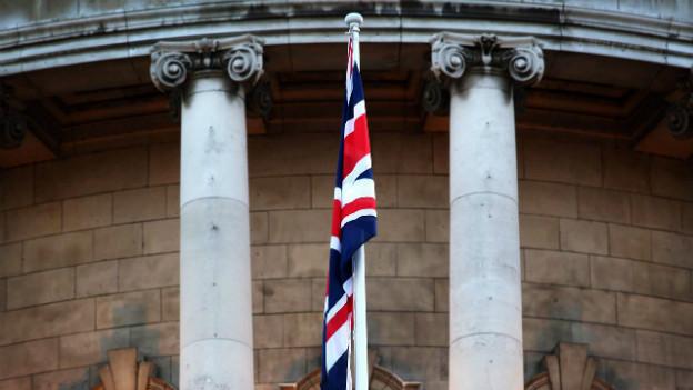 Streitgrund: britische Flagge an der City Hall in Belfast im Januar 2013.