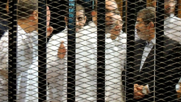 Ägyptens Ex-Präsident Mursi (rechts): Prozessauftakt im November 2013