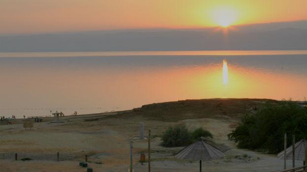 Blick auf das Tote Meer von Jordanien aus.