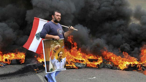 Libanon: Ein Sunnit protestiert gegen die Macht der schiitischen Hisbollah.