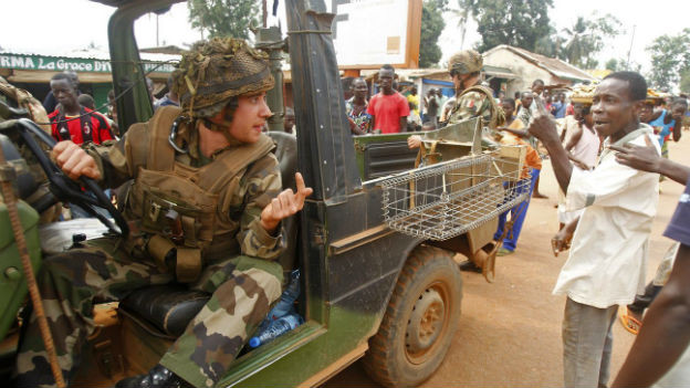 Französische Truppen sollen die Bevölkerung vor bewaffneten Banden schützen.