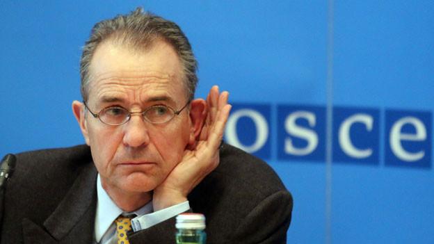 Tim Guldimann während einer OSZE-Pressekonferenz über die Situation in der Ukraine in der Hofburg in Wien am 3. März 2014.