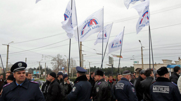 Pro-russische Demonstranten am Sonntag in Sewastopol.