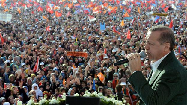 MInisterpräsident Erdogan bei einer Wahl-Veranstaltung am Sonntag.