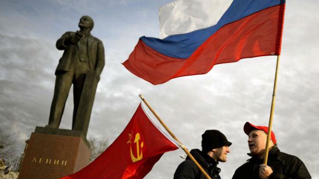 Pro-russische Kundgebung auf Lenin-Platz in Simferopol