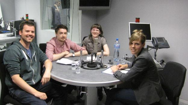Junge Europäer diskutieren über die Europawahlen im SRF4News-Studio