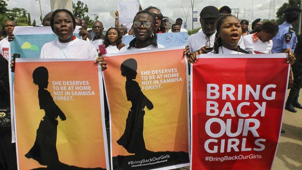 Nigerianerinnen protestieren am Mittwoch in Port Harcourt gegen die Entführung der Schülerinnen.