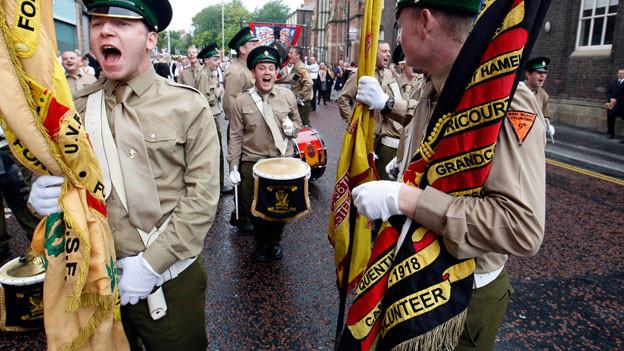 Parade durch Belfast im Jahr 2011.
