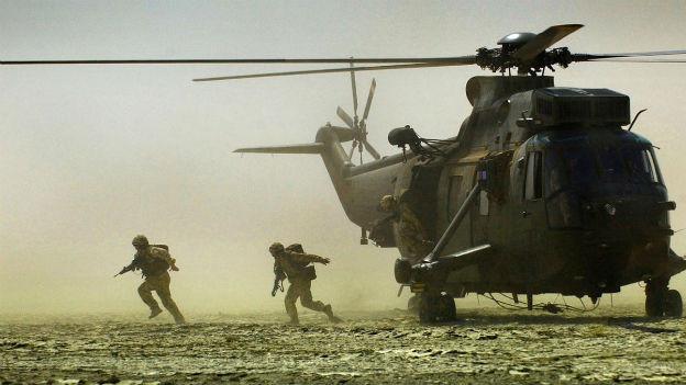 Britische Soldaten im Kampfeinsatz im Irak in der Nähe der Stadt Basra.