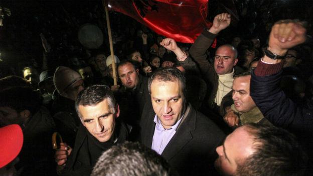 Shpend Ahmeti während des Wahlkampfs.