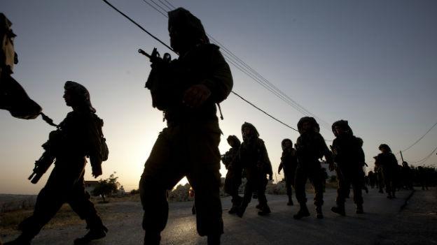 Israelische Soldaten im Sucheinsatz im Westjordanland.