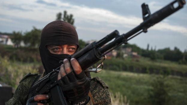 Pro-russischer Kämpfer in der Ukraine.