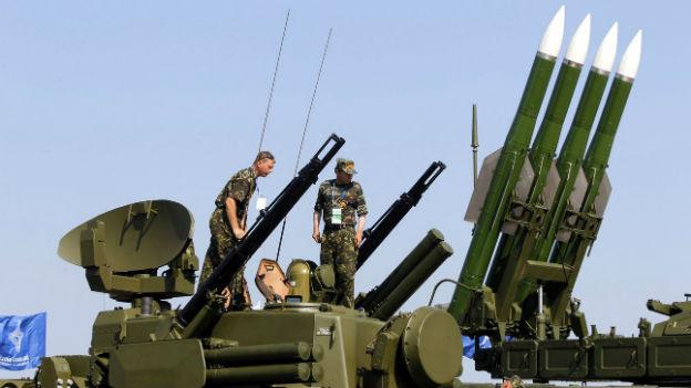 Das russische Raketensystem Buk-M2, das angeblich auch die prorussischen Separatisten besitzen sollen.